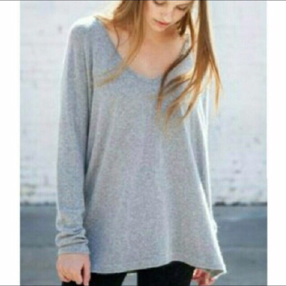 Brandy Melville Sweaters - Brandy Melville oversized v neck sweater b6f47ee5f